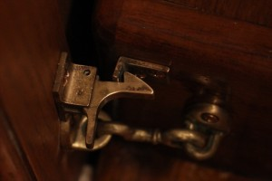 Latch for the door
